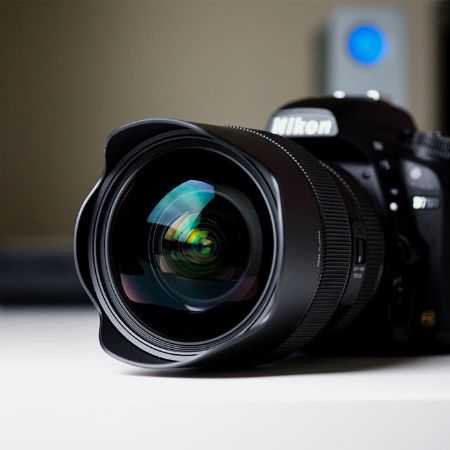 Picture for category Mirrorless Lens